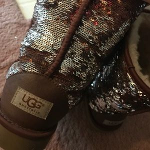 UGG Shoes - BRAND NEW Reversible UGGS